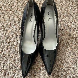 Size 8 women's black heels